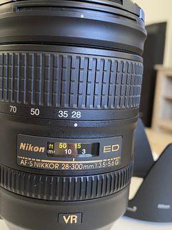 Nikon AFS-Nikkor 28-300mm 3.5-5.6G ED VR Lens for Sale in DeBary,  FL