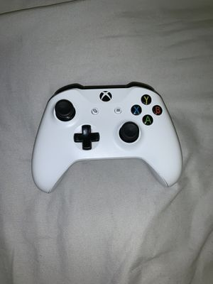 Xbox One Wireless Controller 30 for Sale in Tallahassee, FL