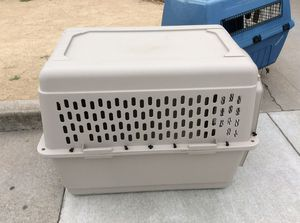 Dog crate - tan for Sale in Del Monte Forest, CA
