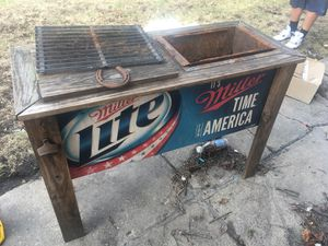 Miller Lite Grill/Cooler for Sale in Joliet, IL