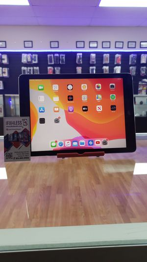 IPad pro 9.7 inch for Sale in Tampa, FL