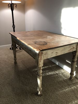 French Country Writing/Breakfast Table for Sale in Brentwood, TN