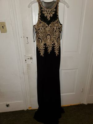 Dress for Sale in S CHESTERFLD, VA