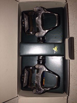 Shimano ultegra PD - 6700 pedals for Sale in San Francisco, CA