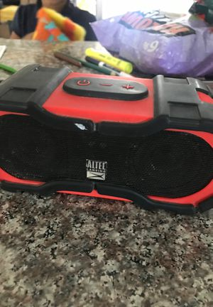 Works good , one speaker is popped but still works for Sale in San Diego, CA