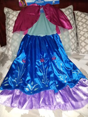 Anna costume size 4-6x for Sale in Arlington Heights, IL