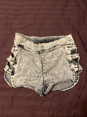 Cute Shorts with Ties for Sale in Shawnee, KS