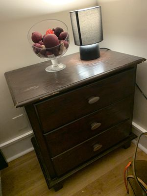 Brown Wood Queen bedroom set for Sale in Fall River, MA