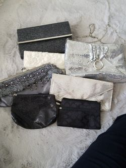 5 Beautiful Clutch Purses And 1 Coach Wristlet And 1 Makeup Bag And 1 Large Make Bag for Sale in Fresno,  CA