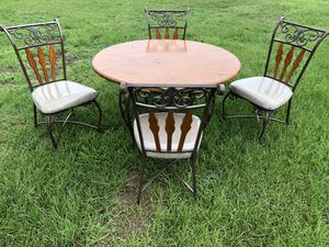 Solid wood table for Sale in Winter Haven, FL
