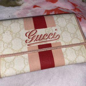 Pink Stripe Gucci Wallet for Sale in Rialto, CA
