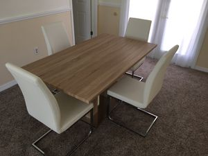 Dining table 4 chairs for Sale in Hudson, FL