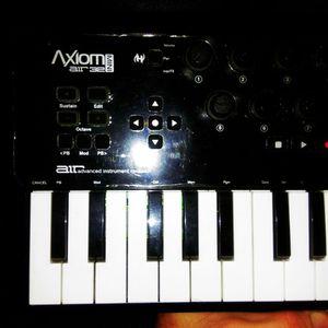 M-Audio Axiom Air Mini 32 for Sale in Philadelphia, PA