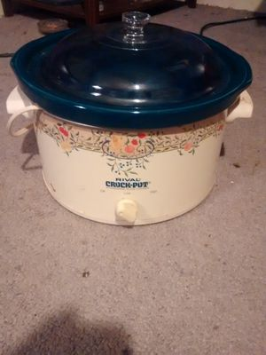 Crock-Pot for Sale in Cleveland, OH