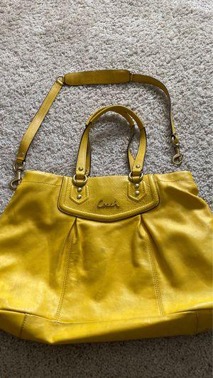 Coach purse for Sale in Fairfield, CA