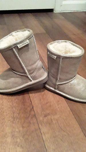 BearPaw Winter Boots Girls Size 10 for Sale in Las Vegas, NV