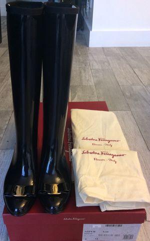 NEW! Ferragamo Nipper Vow Rubber Rain Boots Black Size 6. Botas NUEVAS Marca Ferragamo talla 6. for Sale in Miami, FL