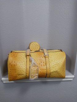 Raes Duffle Bag for Sale in Crowley,  TX