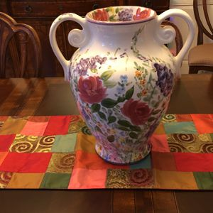 """Flower Vase, Excellent Condition, Large 16""""high for Sale in Great Falls, VA"""