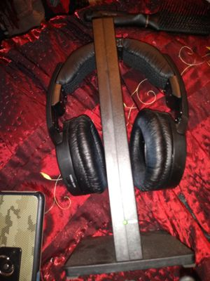 Sony wireless headphones for Sale in Cleveland, OH
