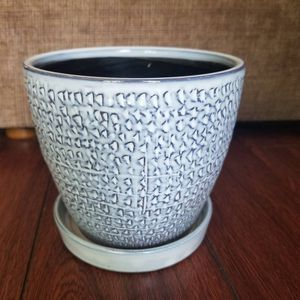 "5.5"" gray ceramic flower pot with saucer for Sale in La Habra Heights, CA"