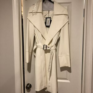 Gorgeous new very high end women's creme dress jacket Sportmax retails $1590 with tags still on for Sale in Atlanta, GA