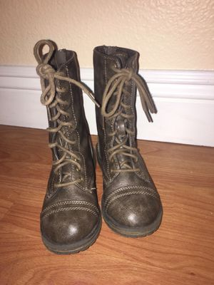 Madden girl boots by Steve Madden size 12 for Sale in Gilroy, CA