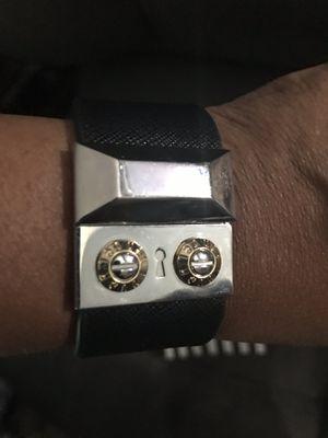 Henri Bendel leather bracelet black for Sale in Reynoldsburg, OH