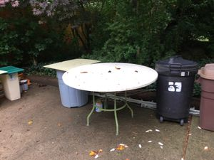 Free outdoor table for Sale in Columbus, OH