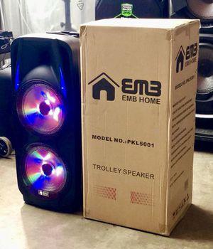 Speaker Bluetooth,radio,2🎤🎤inalámbrico,karaoke,recargable para la playa😎,USB,AUX,luz LD for Sale in Virginia Gardens, FL