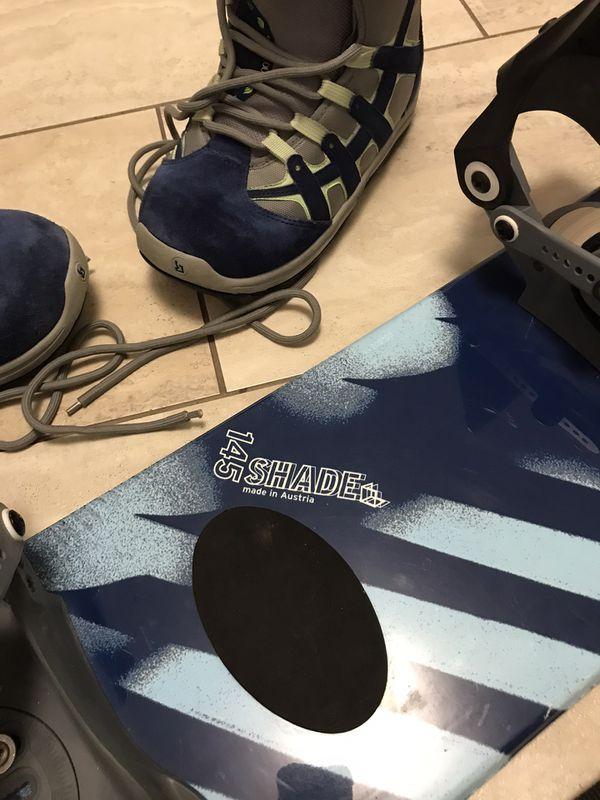 Salomon snowboard , bindings/ boots 145cm