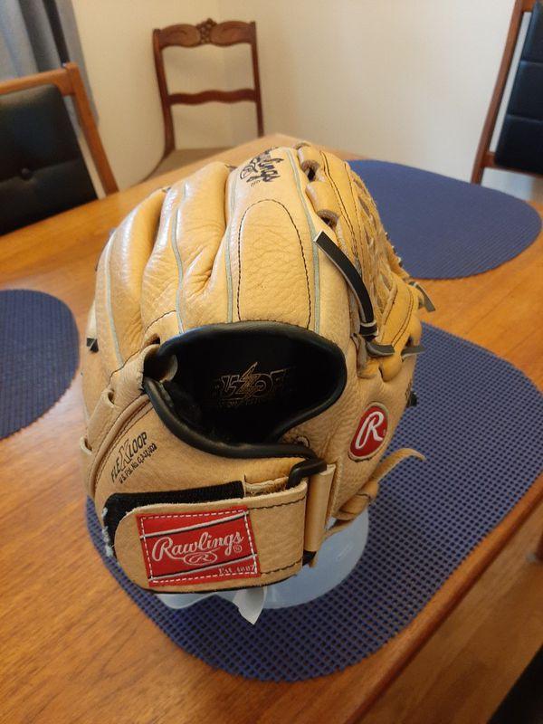 Rawlings baseball mitt