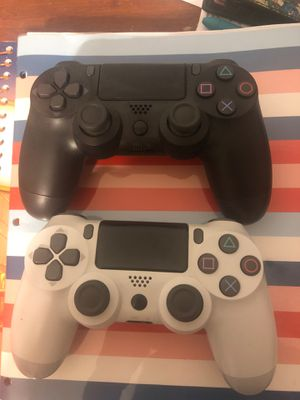 2 PS4 Controllers for Sale in Riverside, CA