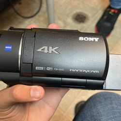 Sony 4k Hanycam Professional Video Camera for Sale in Everett,  WA
