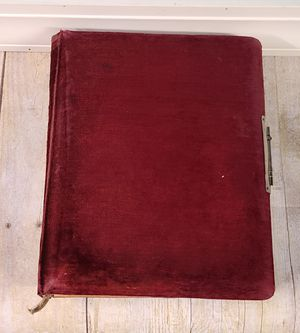 Antique Rare Victorian Era Photo Album With Tintype and Cabinet Card Photos for Sale in Chicago Ridge, IL