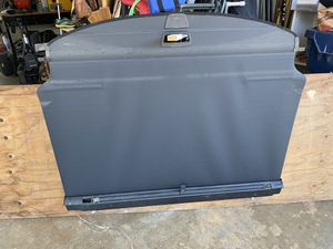Mercedes-Benz Cargo Cover part number 213-810-01-09-9051 for Sale in Huntington Beach, CA