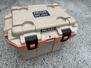 Pelican 30qt cooler for Sale in Kennesaw, GA
