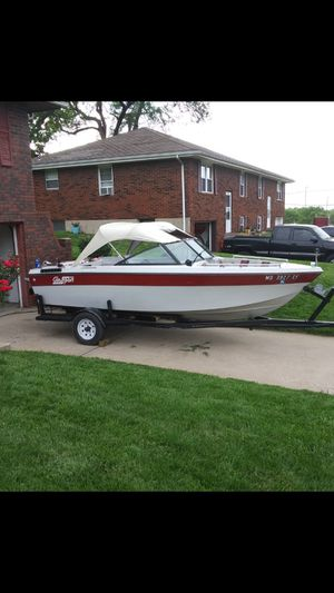 1987 glassport. 4cyl. 2.4 inboard/outboard for Sale in Blue Springs, MO