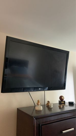 """LG 46 """" TV with stand and remote for Sale in Providence, RI"""