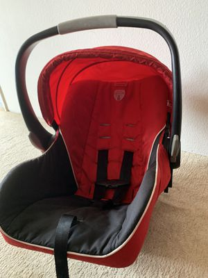 Britax car seat , with base, very clean & used very less times for Sale in Sunnyvale, CA