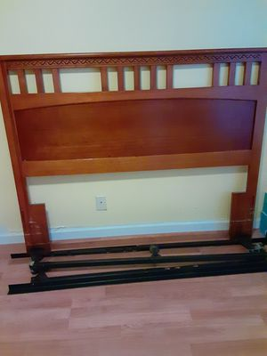 4 piece queen bedroom set for Sale in Lake Worth, FL