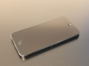 Unlocked — iPhone 5 16GB Space Grey for Sale in Montclair, CA