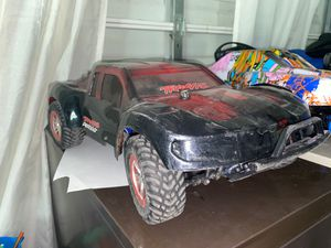 Traxxas slash 4x4 brushless 65mph with 3S lipo for Sale in Fullerton, CA