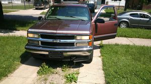1997 chevy tahoe for Sale in Windsor, ON