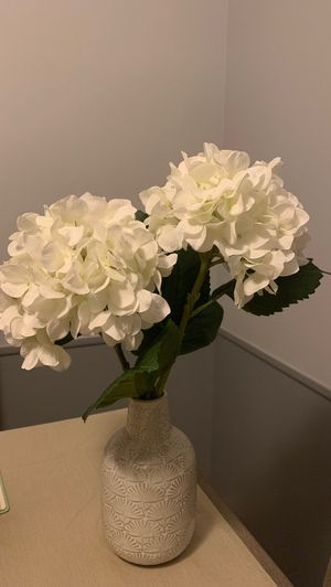 Gardenia Flower arrangement with vase for Sale in Parma, OH