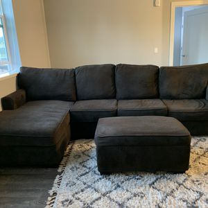 Sectional Couch With Chaise Lounge And Ottoman for Sale in Petaluma, CA