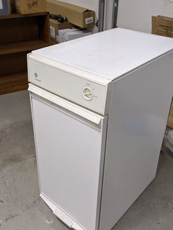 General Electric Compact-all Trash Compactor for Sale in Hillsboro,  OR