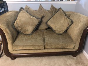 2 pc Sofa and Loveseat for Sale in Raleigh, NC