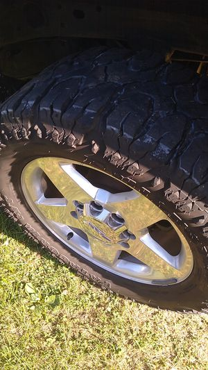 Milestar Patagonia m/t mud tires for Sale in Livonia, MI