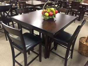 5-PC Brown Breakfast Table for Sale in Bellaire, TX
